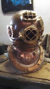 Diver helmet casting